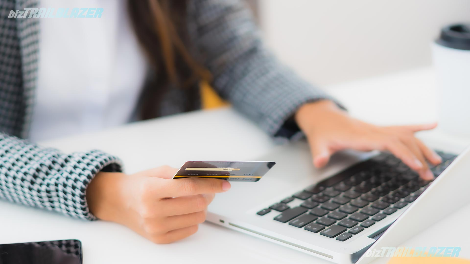 How-to-Avoid-Credit-Card-Scams---BizTrailblazer-Blog