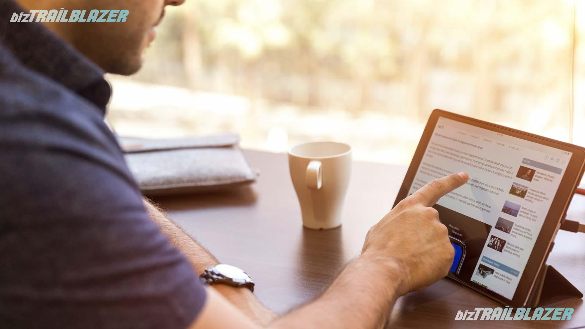 BizTrailBlazer-Blog-How-to-Stay-Safe-on-the-Internet-in-10-Ways